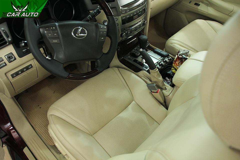 Kiểu may đục lỗ da ghế ô tô